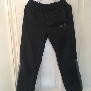 Boys size 6 Under Armour pants